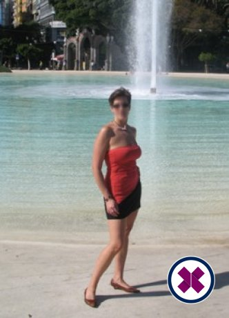 Canadian Companion is a hot and horny Canadian Escort from Bromley