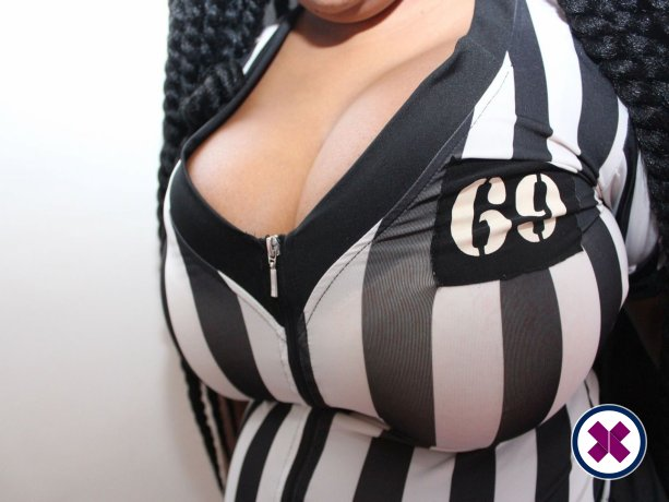 Hot Champagne is a sexy British Escort in Cardiff